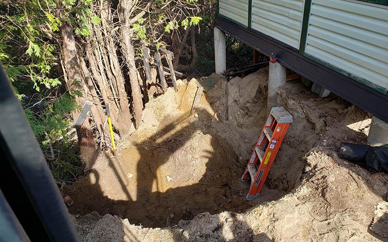 Construction de muret de soutènement pas cher en pierre, béton, et pavé uni dans Lanaudière - Services P.B.T (Excavation dans Lanaudière)