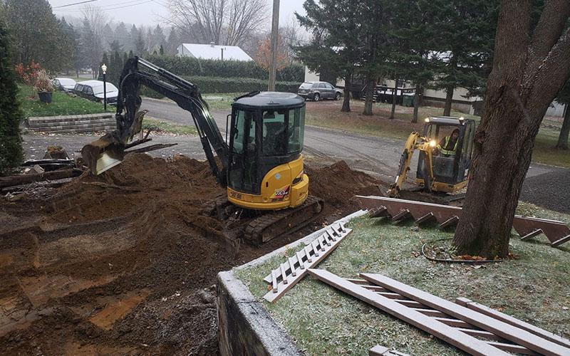 Entreprise de terrassement extérieur et nivellement de terrain dans Lanaudière - Services P.B.T (Excavation dans Lanaudière)
